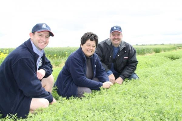 Larn McMurray, Jenny Davidson & Kyle Holman at the lentil trials