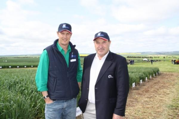 Hart chairman Matt Dare with CBH Group chairman and lunch time guest speaker, Neil Wandel